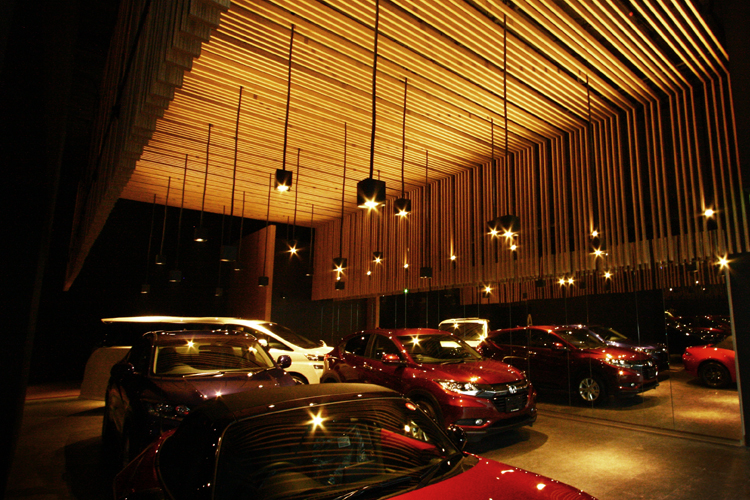 MIDVIEW CITY CAR SHOWROOM, SINGAPORE